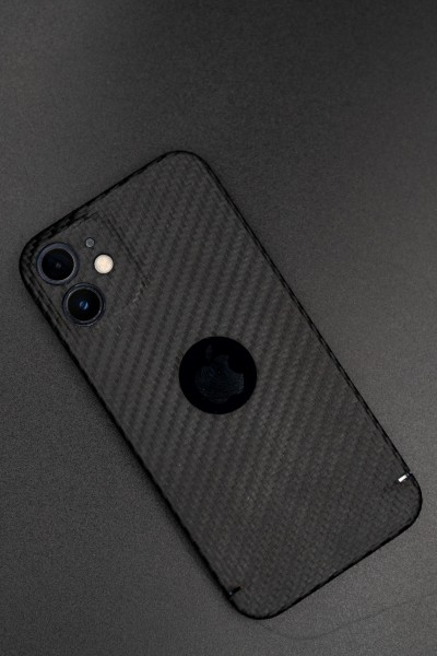 Carbon Cover iPhone 12 con Logowindow